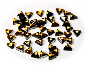 Kamínky trojúhelník zlatá